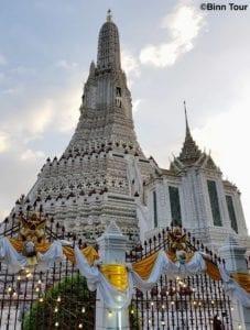 Der Tempel der Morgenr?te (Wat Arun) mit seinem Hauptturm