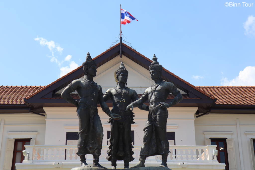 statue of the three founding fathers of Chiang Mai